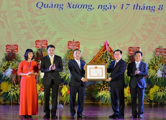 Huyện Quảng Xương được công nhận huyện đạt chuẩn nông thôn mới - 1