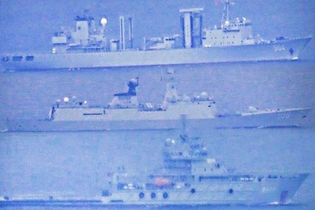 Philippines nói tàu chiến Trung Quốc gây phiền nhiễu khi xâm nhập lãnh hải  - 1
