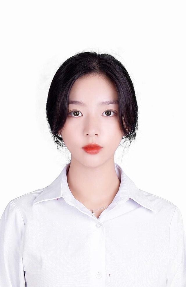 Vừa là tân sinh viên, hot girl Quảng Bình đã thành tâm điểm chú ý - 4