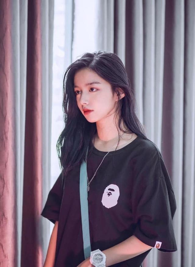 Vừa là tân sinh viên, hot girl Quảng Bình đã thành tâm điểm chú ý - 10