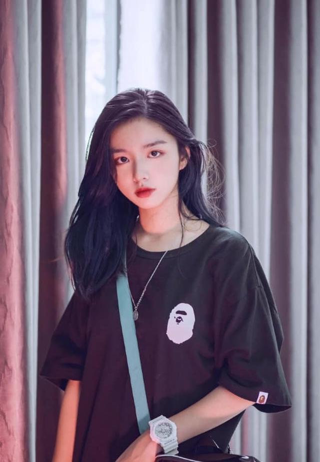 Vừa là tân sinh viên, hot girl Quảng Bình đã thành tâm điểm chú ý - 11