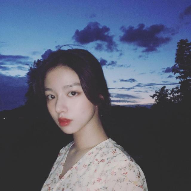 Vừa là tân sinh viên, hot girl Quảng Bình đã thành tâm điểm chú ý - 7