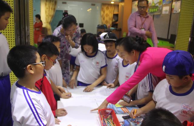 TPHCM: Cho phép giáo viên tiểu học xây dựng kế hoạch dạy học - 1