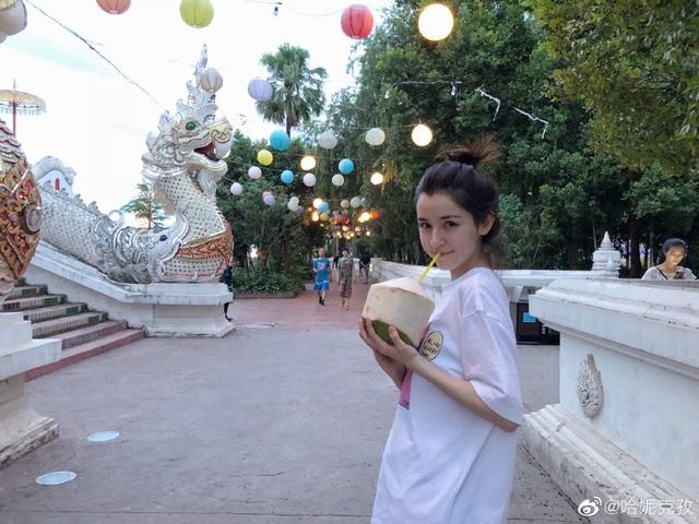 Sau 8 tháng hóa tiên trên truyền hình Trung Quốc, cô gái dân tộc thiểu số giờ ra sao? - 10