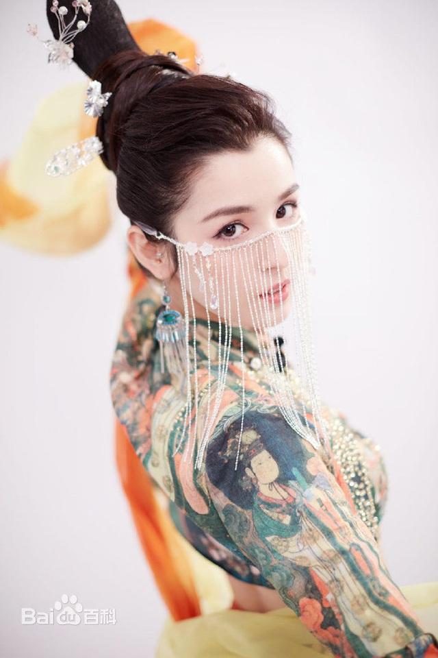 Sau 8 tháng hóa tiên trên truyền hình Trung Quốc, cô gái dân tộc thiểu số giờ ra sao? - 2
