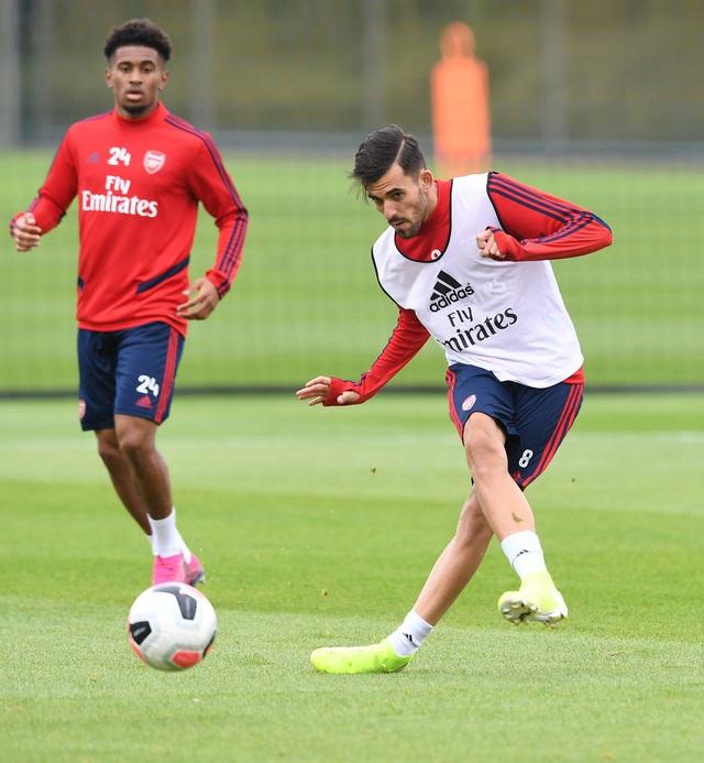 Ozil, Kolasinac trở lại sẵn sàng sát cánh cùng Arsenal - 3