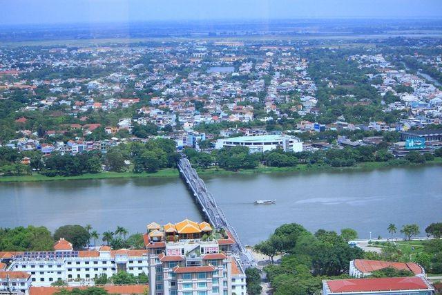 Thừa Thiên Huế đón nhận Huân chương Độc lập hạng Nhất nhân 30 năm tái lập tỉnh - 10