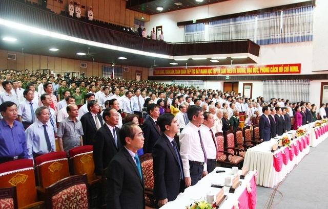 Thừa Thiên Huế đón nhận Huân chương Độc lập hạng Nhất nhân 30 năm tái lập tỉnh - 1