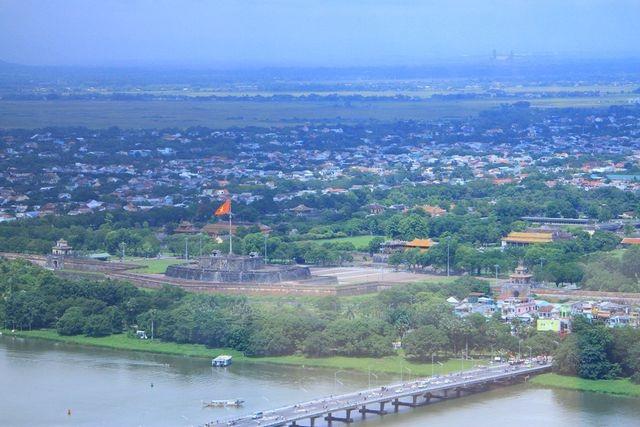 Thừa Thiên Huế đón nhận Huân chương Độc lập hạng Nhất nhân 30 năm tái lập tỉnh - 7