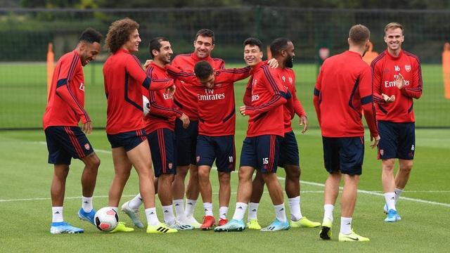 Ozil, Kolasinac trở lại sẵn sàng sát cánh cùng Arsenal - 11