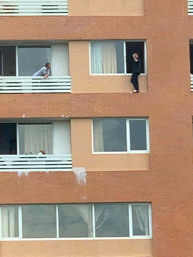 Người đàn ông quốc tịch Pháp định tự tử từ tầng 7 khách sạn - 1