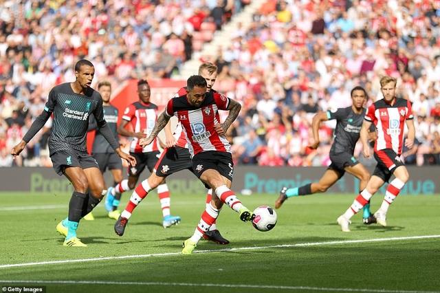 Mane, Firmino giúp Liverpool vượt qua Southampton - 3