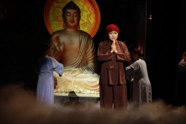 """NSƯT Thanh Kim Huệ và Chí Tâm lấy nước mắt khán giả trong vở """"Lan và Điệp"""" - 13"""