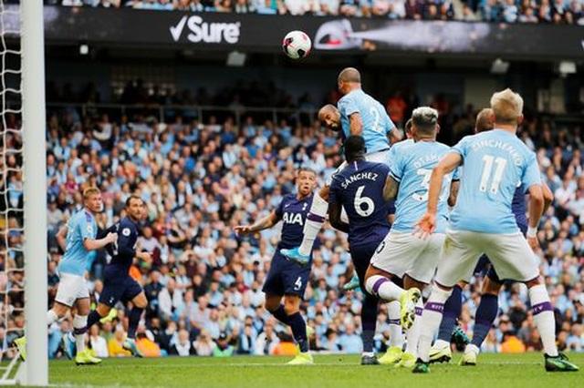 Man City 2-2 Tottenham: VAR lại gieo sầu cho Man City - 13