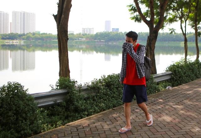 Hà Nội: Cá chết hàng loạt bốc mùi nồng nặc ở hồ Yên Sở - 5