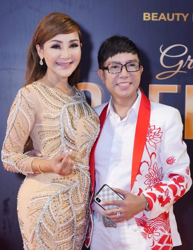 Người đẹp chuyển giới đầu tiên của Việt Nam – Cát Tuyền hội ngộ Lâm Khánh Chi, Cindy Thái Tài - 3