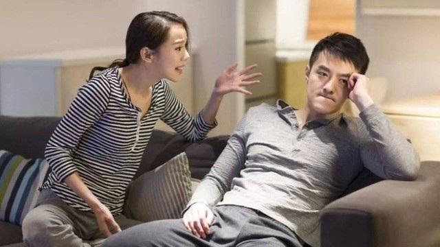 Đau đớn vì chồng mắng: Em biết gì mà đòi chăm con - 1