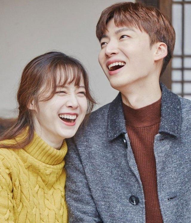 """""""Nàng Cỏ"""" Goo Hye Sun """"vạch mặt"""" chồng trẻ trong thông báo ly hôn gây sốc - 1"""