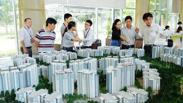 Người giàu chọn căn hộ hạng sang, dân nghèo nhà ở xã hội cũng khó mua - 1