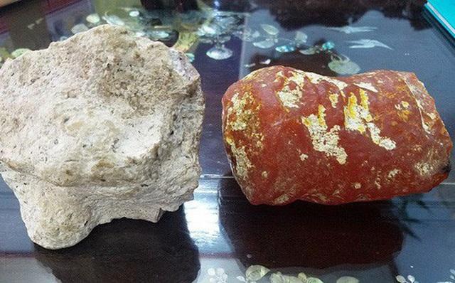 Nhặt được khối đá xù xì dạt bờ biển, ngư dân trúng lớn 12 tỷ đồng - 6