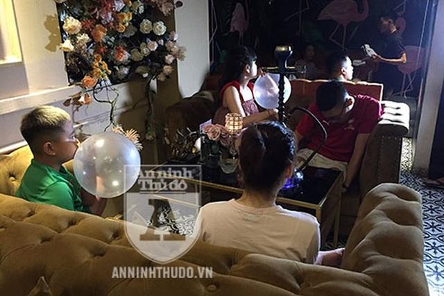 Treo thông báo cấm, Analog Coffe – Lounge lại công khai bán bóng cười cho cả học sinh - 3