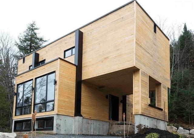 Mua bốn chiếc container để xây dựng một ngôi nhà độc đáo - 2