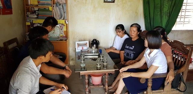 Nước mắt rơi đẫm trên giấy báo nhập học của nữ sinh nghèo xứ Nghệ - 2