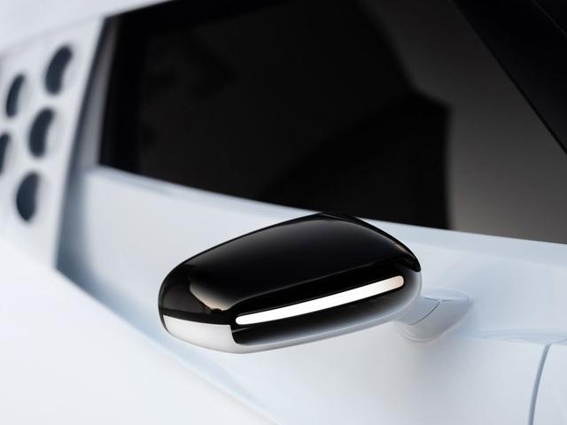Bugatti Centodieci: 8 triệu Euro, động cơ W16, 1.600 mã lực và chỉ có 10 chiếc - 12