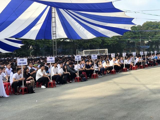 Lễ khai giảng sớm của hơn 5.000 tân sinh viên ĐH Bách khoa TPHCM - 1