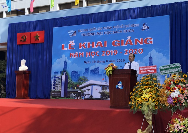 Lễ khai giảng sớm của hơn 5.000 tân sinh viên ĐH Bách khoa TPHCM - 3