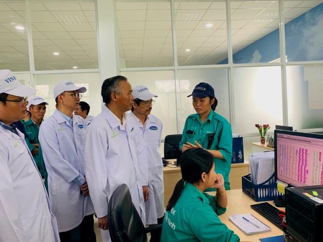"""""""Resort"""" bò sữa Tây Ninh là hạt nhân để xây dựng vùng chăn nuôi bò sữa an toàn - 4"""