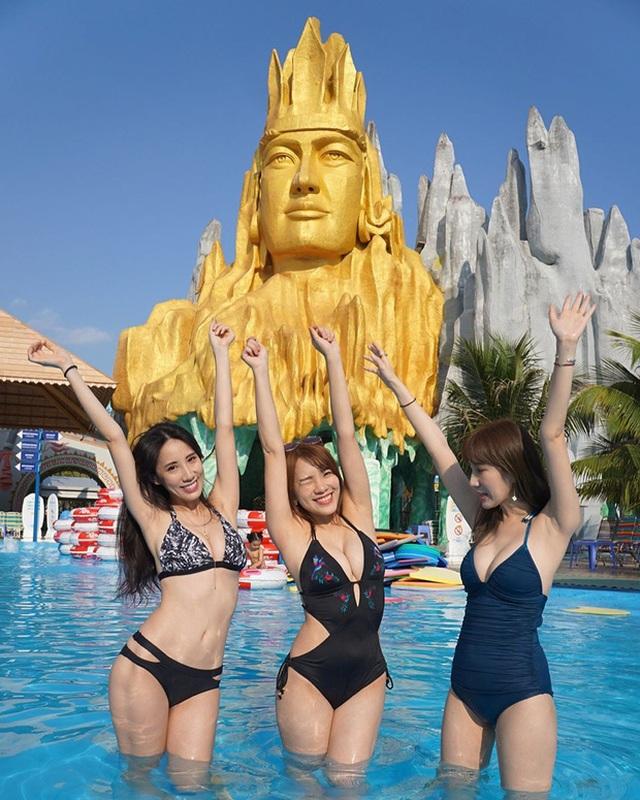 """Diện bikini trong công viên nước ở Việt Nam, siêu vòng 1 Đài Loan bị """"mắng oan"""" - 4"""