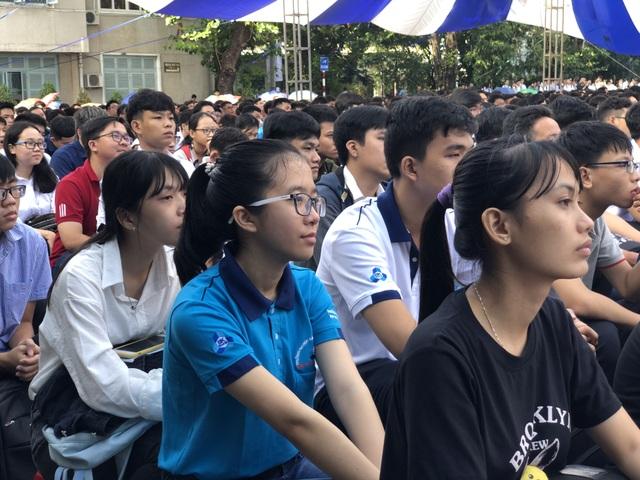 Lễ khai giảng sớm của hơn 5.000 tân sinh viên ĐH Bách khoa TPHCM - 2
