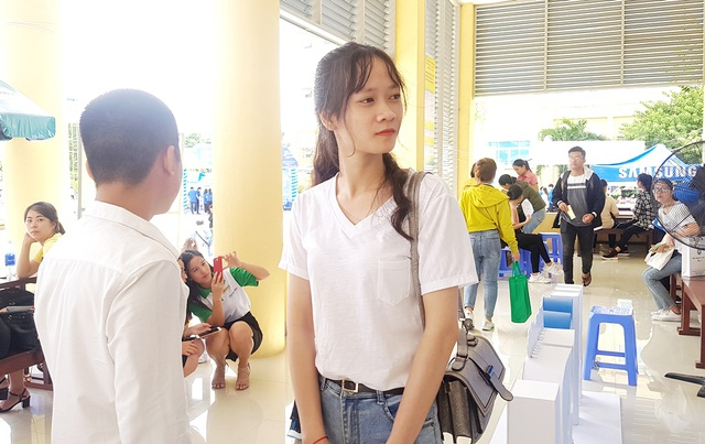 Tất bật đón tiếp hàng ngàn tân sinh viên nhập học - 3