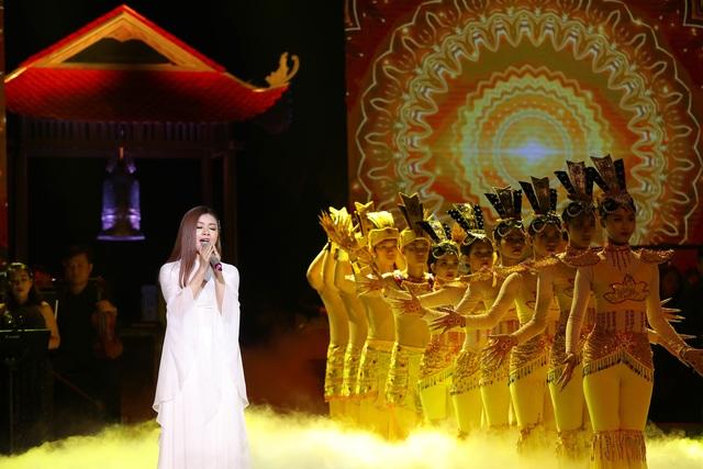 Tân Nhàn khiến khán giả nghẹn ngào khi hát về Vu lan báo hiếu - 4