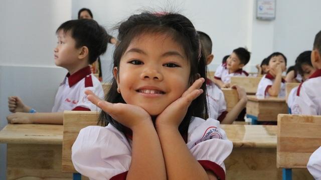 Sáng nay, 1,4 triệu học sinh TPHCM chính thức tựu trường - 3