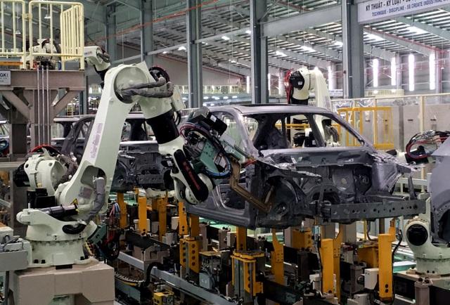 Ưu đãi lớn, ô tô Việt Nam giảm giá mạnh - 1