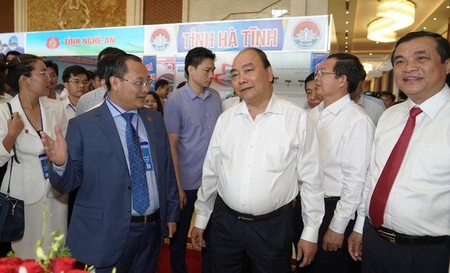 """Thủ tướng: Gỡ """"nút thắt"""" cho kinh tế miền Trung - 4"""