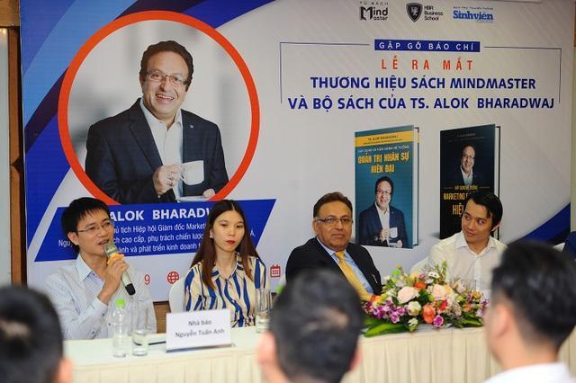 Chuyên gia marketing và nhân sự hàng đầu thế giới viết sách dành riêng bạn đọc Việt Nam - 2