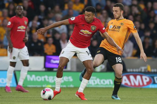 Những khoảnh khắc thất vọng của Man Utd trên sân Wolves - 14