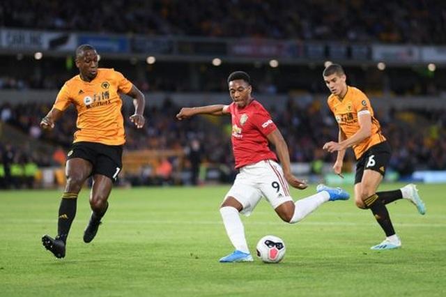 Những khoảnh khắc thất vọng của Man Utd trên sân Wolves - 11