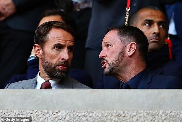 Những khoảnh khắc thất vọng của Man Utd trên sân Wolves - 6