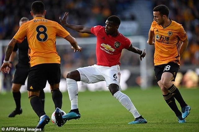 Những khoảnh khắc thất vọng của Man Utd trên sân Wolves - 7