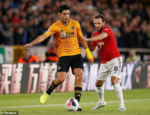 Những khoảnh khắc thất vọng của Man Utd trên sân Wolves - 21
