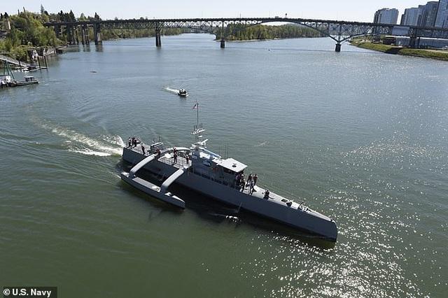 """Mỹ chi 1 tỷ USD xây đội tàu không người lái """"bóng ma đại dương"""" - 1"""
