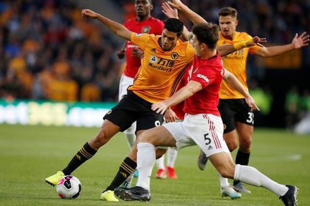 Những khoảnh khắc thất vọng của Man Utd trên sân Wolves - 8