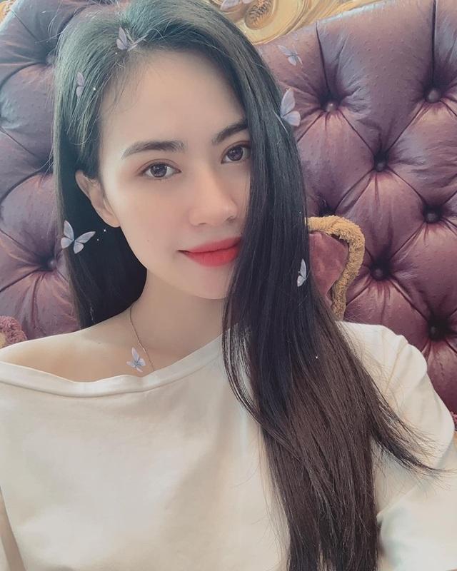 Bạn gái tin đồn lên tiếng về chuyện tình cảm với Quang Hải - 2