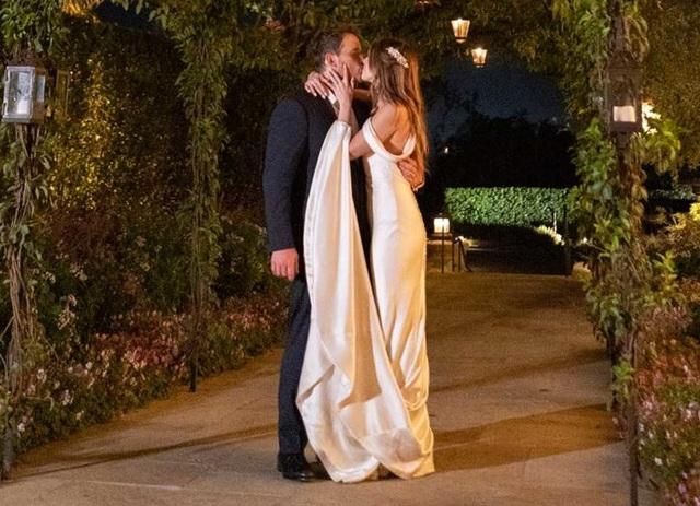 Katherine Schwarzenegger đưa con chồng ra phố - 5