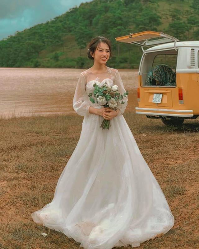 Joyce Phạm - ái nữ của đại gia ngành nhựa khoe nhẫn kim cương và váy cưới - 3