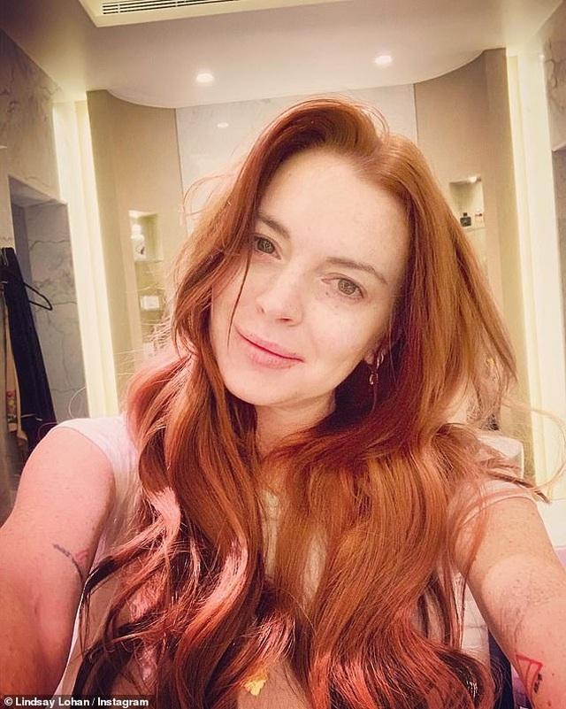 Lindsay Lohan tạo dáng như nàng tiên cá - 3